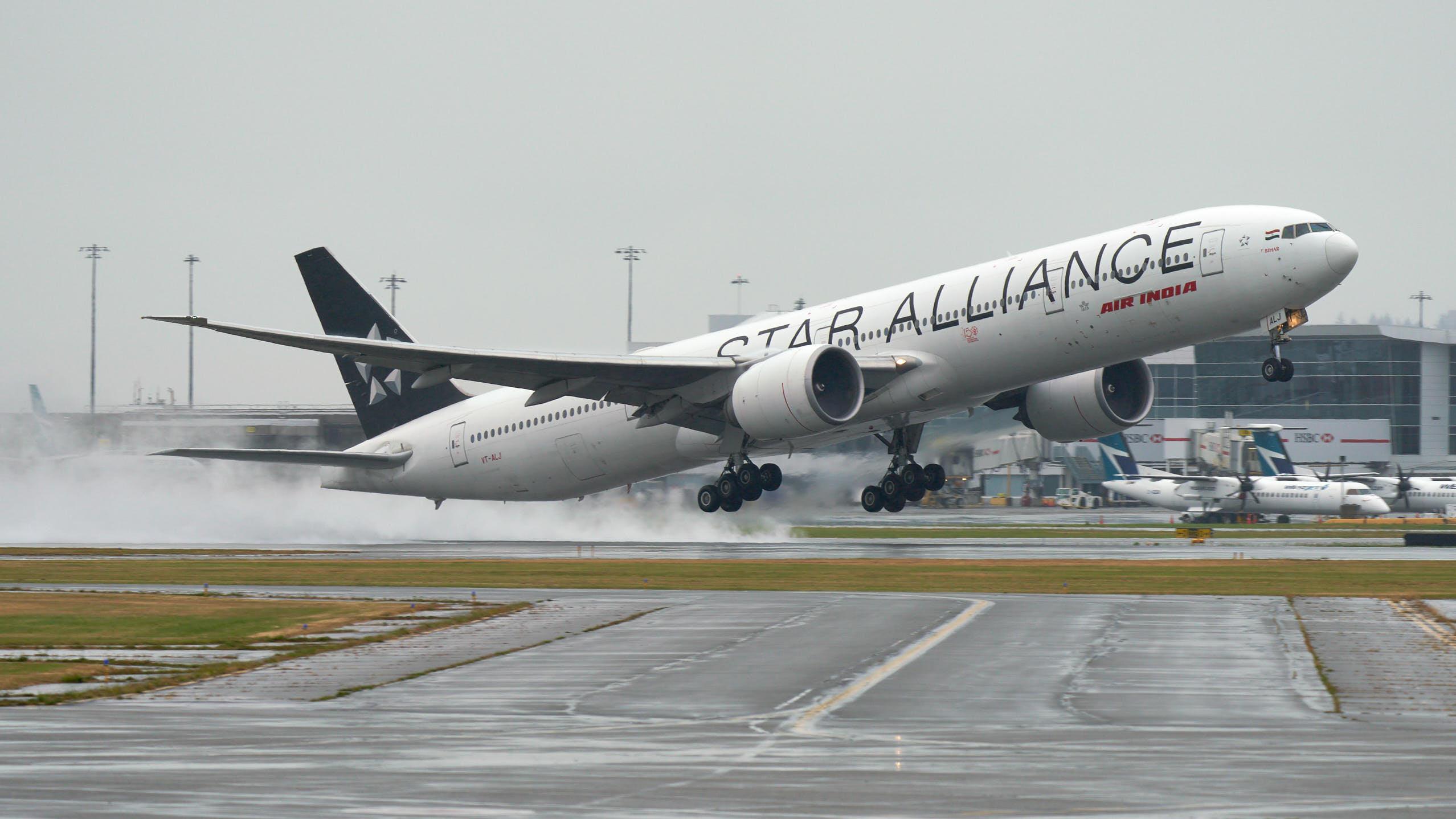 印度航空:「星空聯盟」塗裝