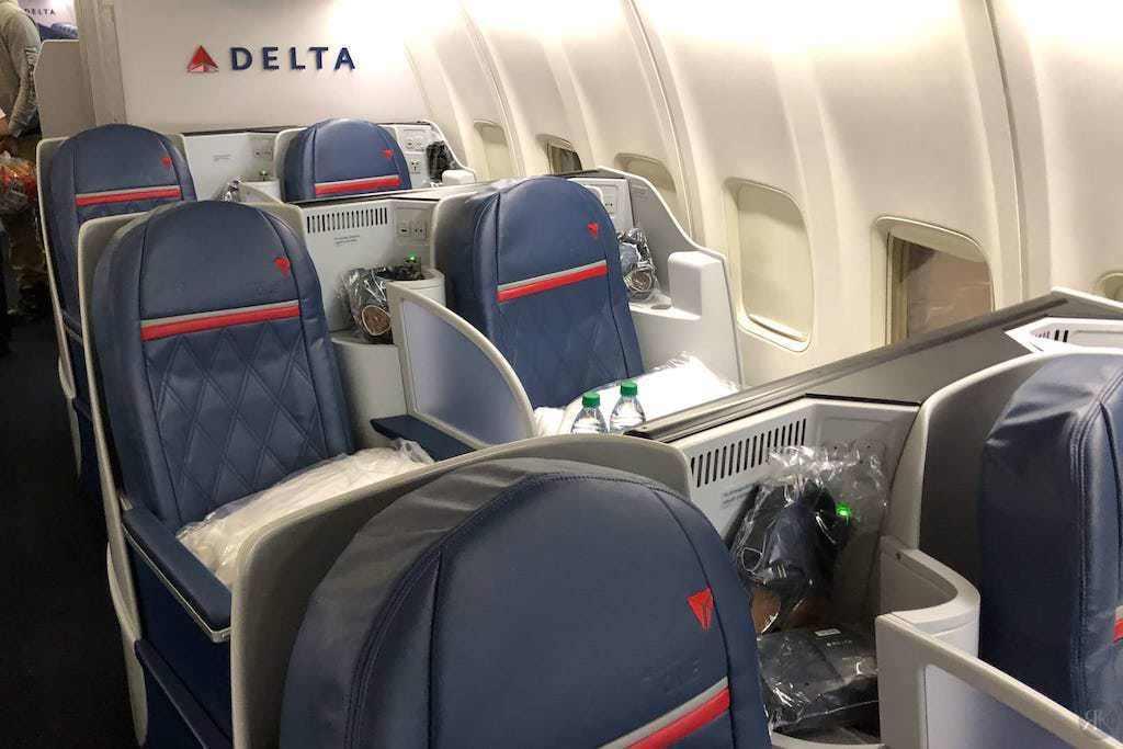 Delta: Boeing 757-200 Business Class (SFO-JFK) 12