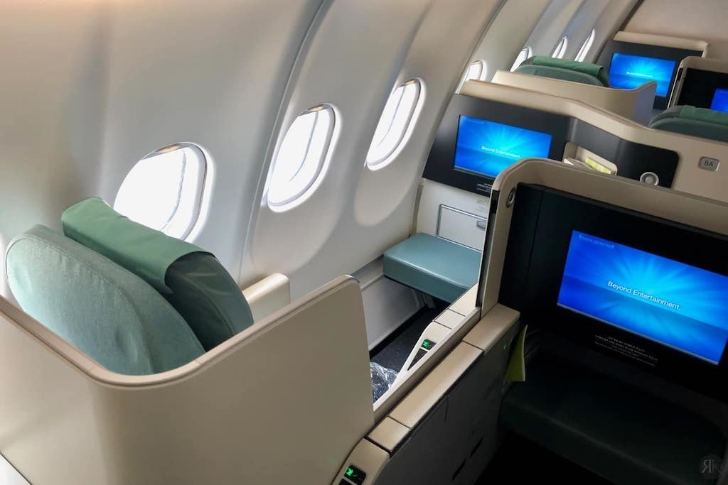 Korean Air: Business Class (BKK-ICN-YVR) 5