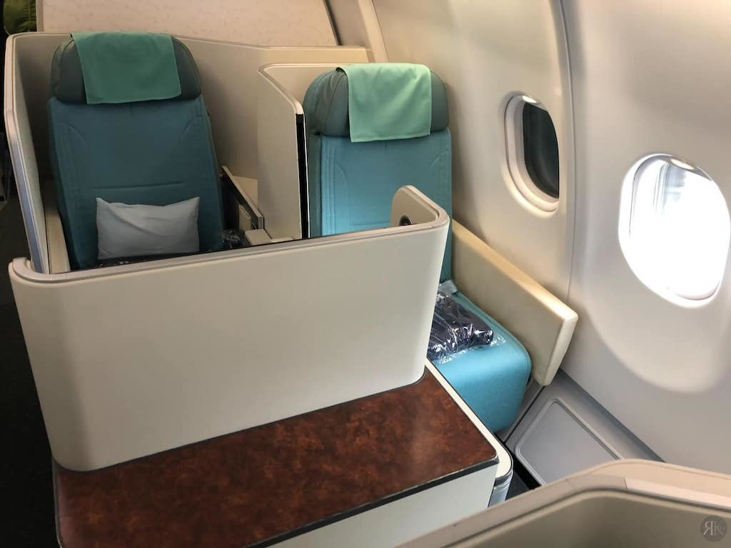 Korean Air: Business Class (BKK-ICN-YVR) 4