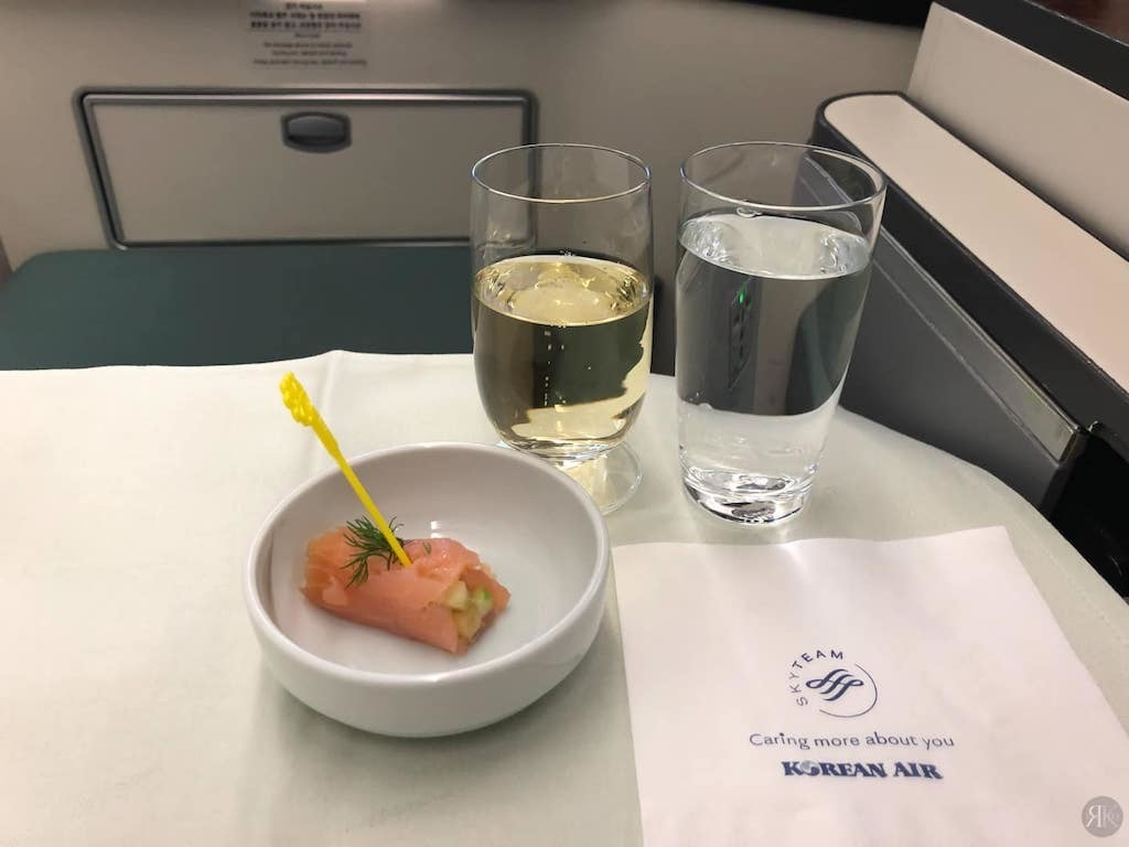 Korean Air: Business Class (BKK-ICN-YVR) 14