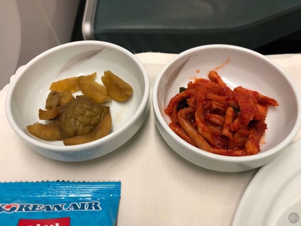 Korean Air: Business Class (BKK-ICN-YVR) 37