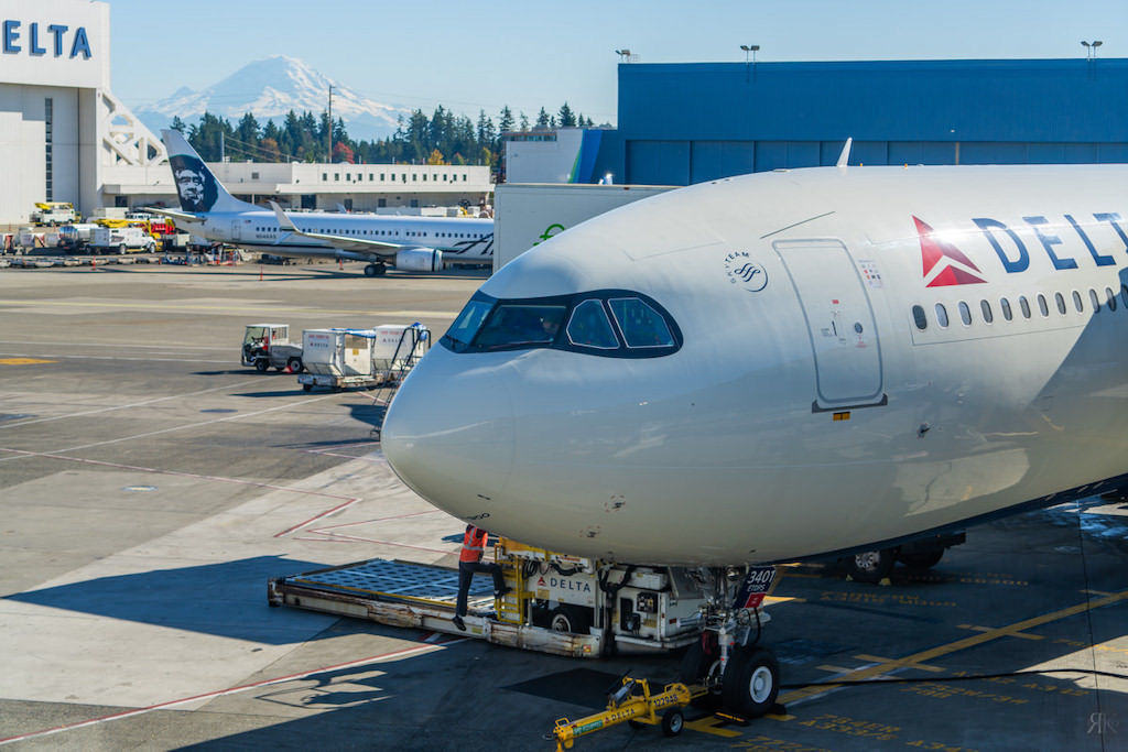 Delta: A330-900neo Business Class (SEA-PVG) 16