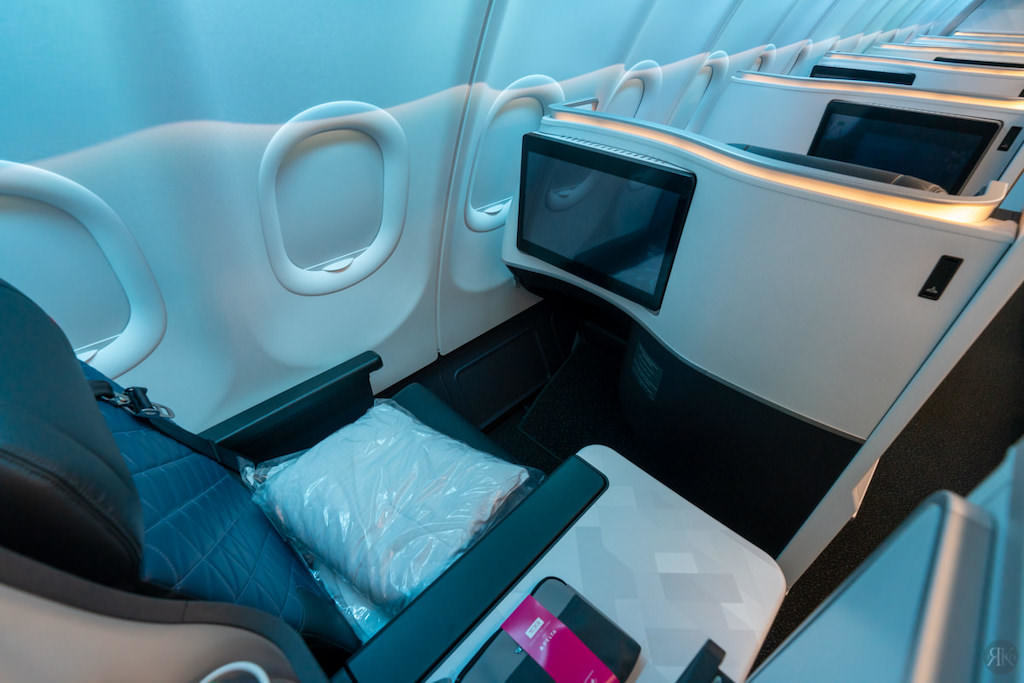 Delta: A330-900neo Business Class (SEA-PVG) 24