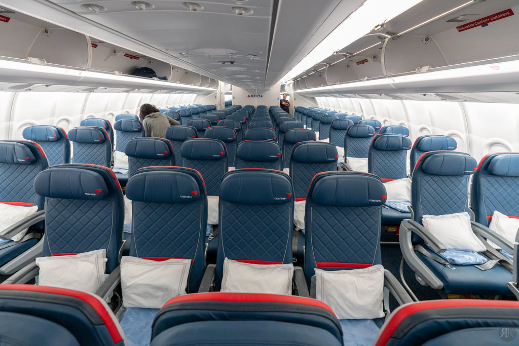 Delta: A330-900neo Business Class (PVG-SEA) 10