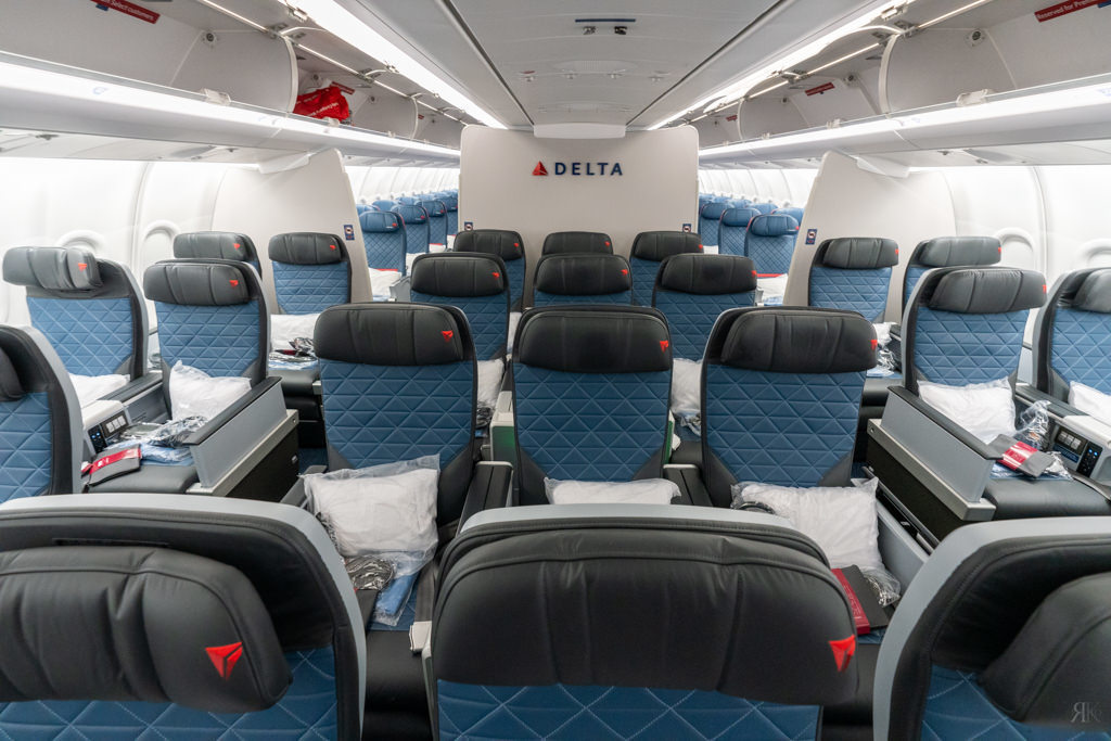 Delta: A330-900neo Business Class (PVG-SEA) 9