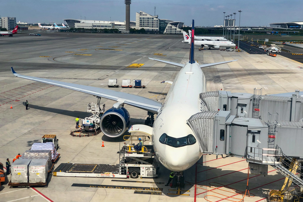 Delta: A330-900neo Business Class (PVG-SEA) 7