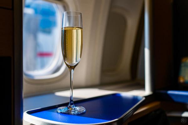 全日空:波音777-300ER头等舱 (LAX-NRT)